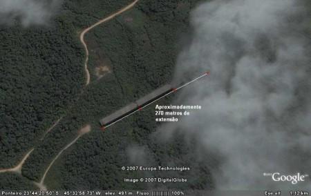 Para quem acha que é mentira, essa foto de satélite mostra a ligação do nada ao lugar nenhum